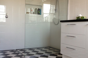 Patterned Floor Tiler